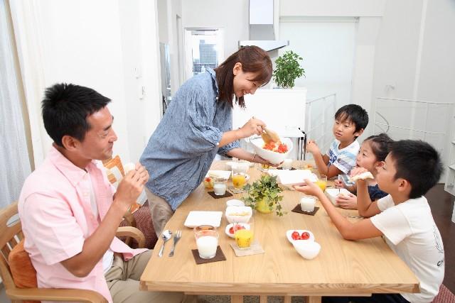 人類の特徴(5) – 集団生活から家族へ